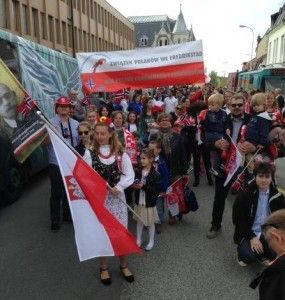 Polacy-uczcili-Swieto-Konstytucji-Norwegii