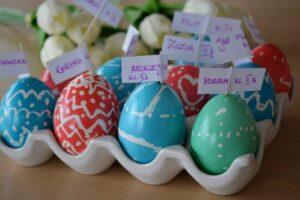 Swieta-Wielkanocne-z-Jajkiem-i-Zajacem